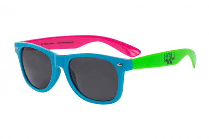 c5849ed003bcc4 zonnebrillen met gekleurde pootjes