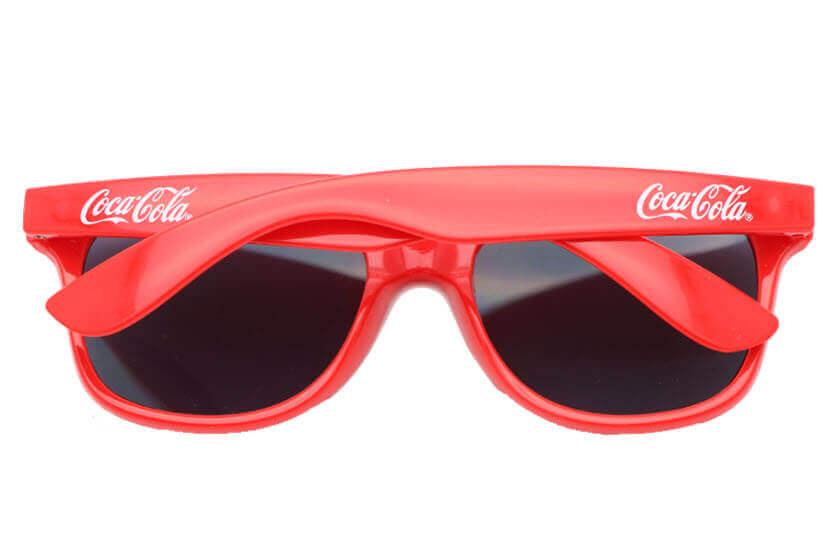 c18d991a72e4e1 sunglasses goedkoop bedrukt met logo. Zonnebrillen